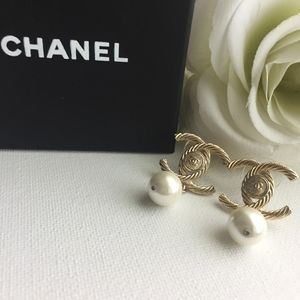 Authentic Vintage Chanel Pearl Drop Earrings